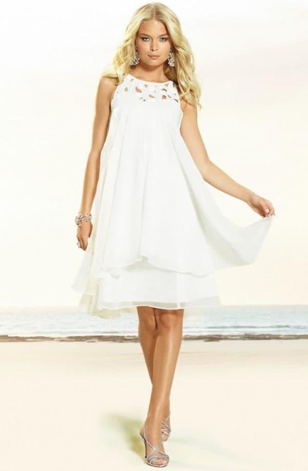 Белое платье для школьного бала