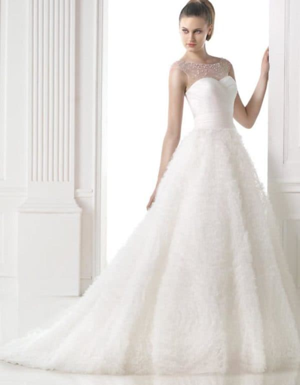 Платье для невесты пышное в пол