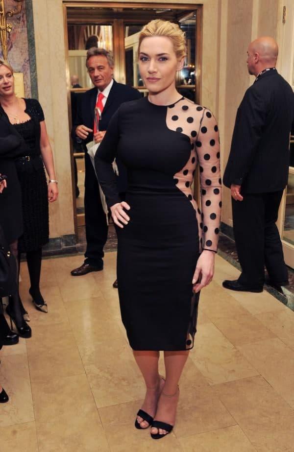 Платье до колен черное для женщин 50 плюс