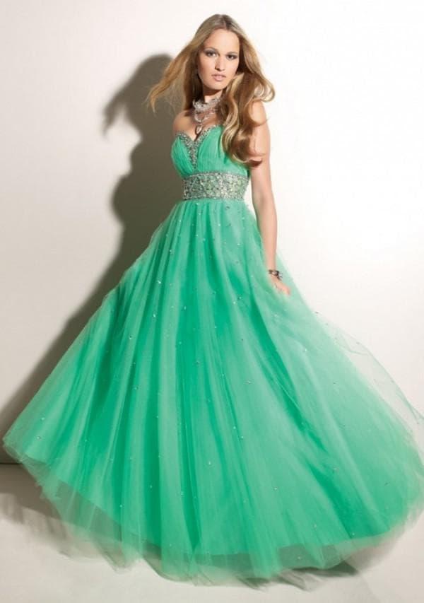 Зеленое платье на выпускной