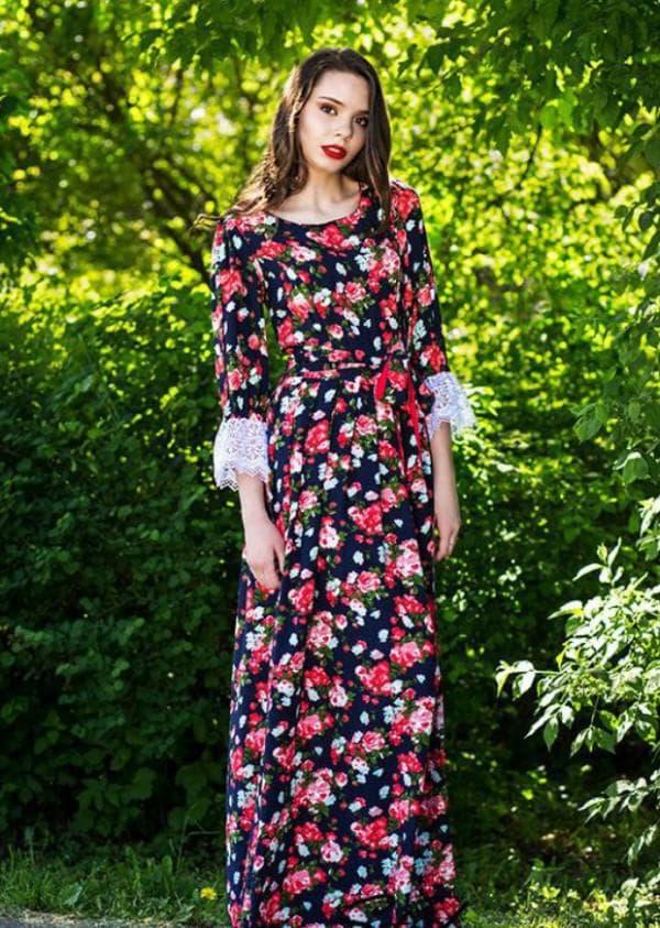 Длинное платье из штапеля с кружевом