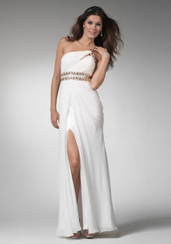 Платье в греческом стиле с разрезом до бедра