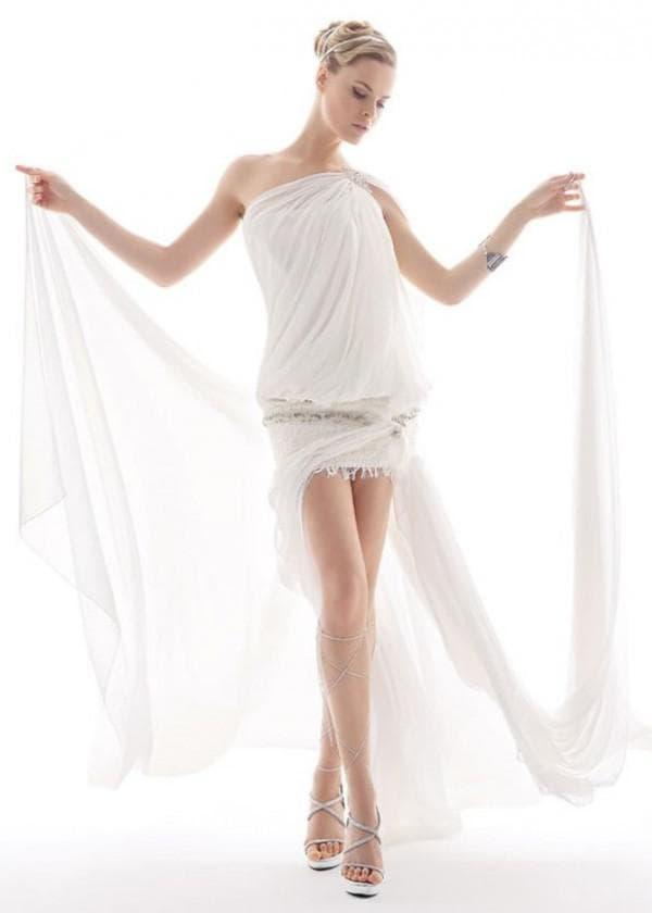 Длинное греческое платье со шлейфом