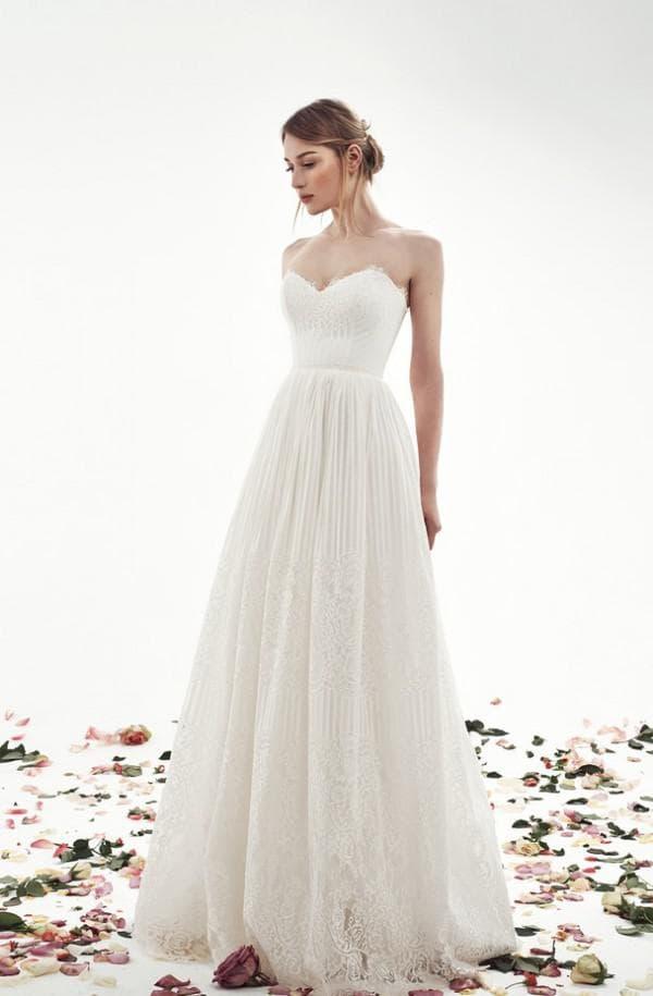 Длинное платье невесты А силуэт
