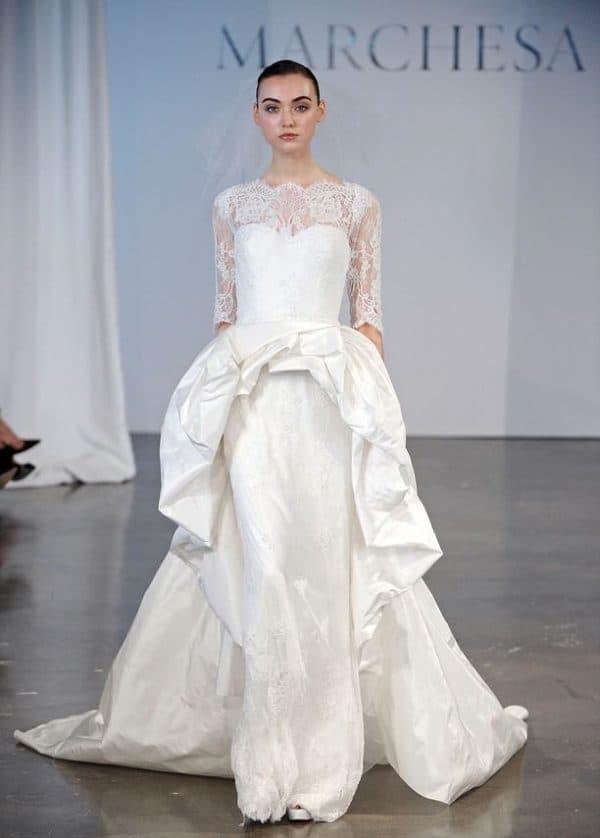 Задрапированная баска на свадебном платье в пол