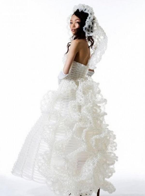 сваебное платье из воздушных шаров