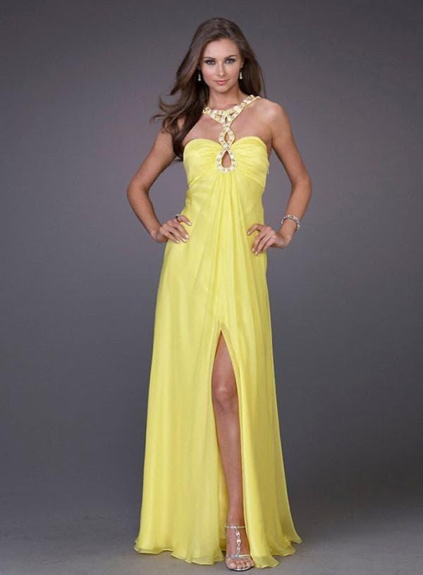 желтое платье в пол с разрезом на бедре