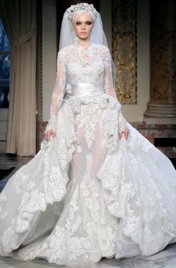 Пышное платье невесты с баской