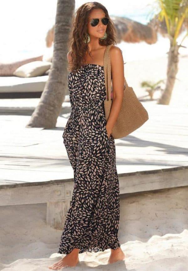 Длинное платье коричневого цвета