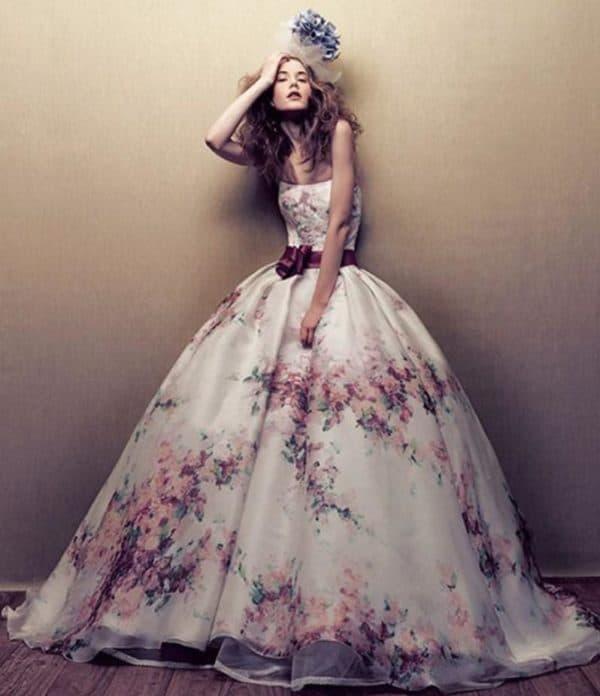 Платье невесты с цветами