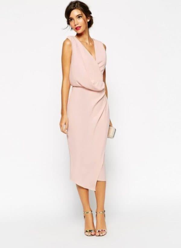 розовое платье с запахом на свадьбу подруги
