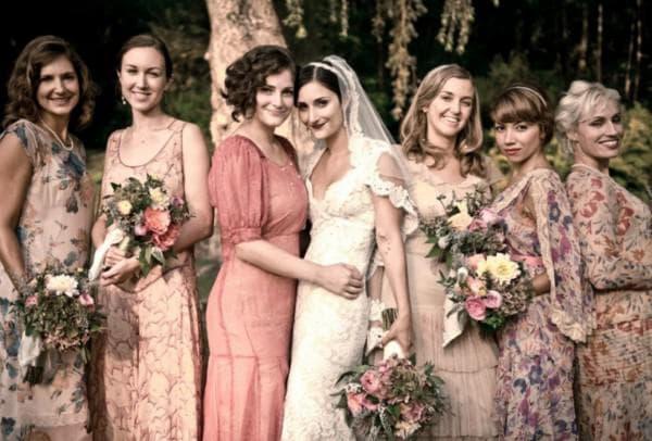 цветочные ретро платья для подруг невесты