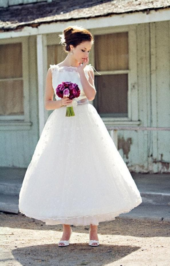 свадебное платье в стиле винтаж букет