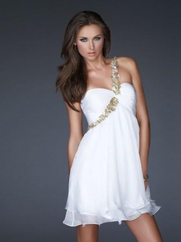 белое греческое платье с завышенной талией