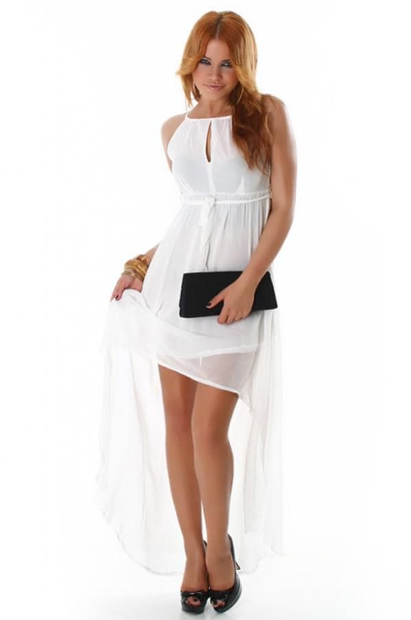 светлое платье в стиле ампир со шлейфом
