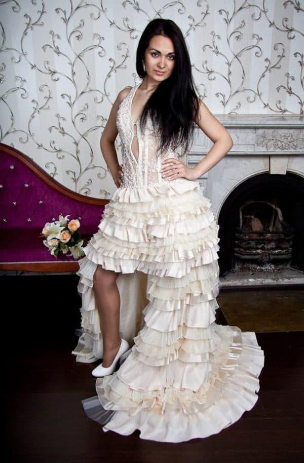свадебное платье короткое спереди со шлейфом