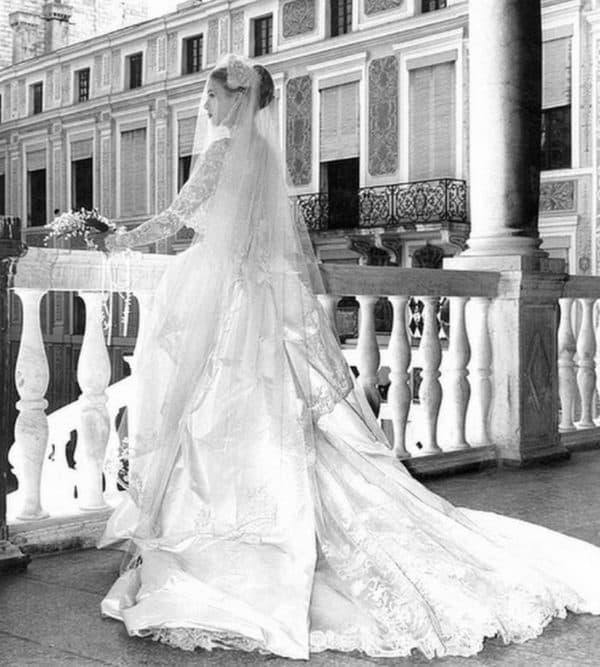 шлейф на платье Грейс Келли