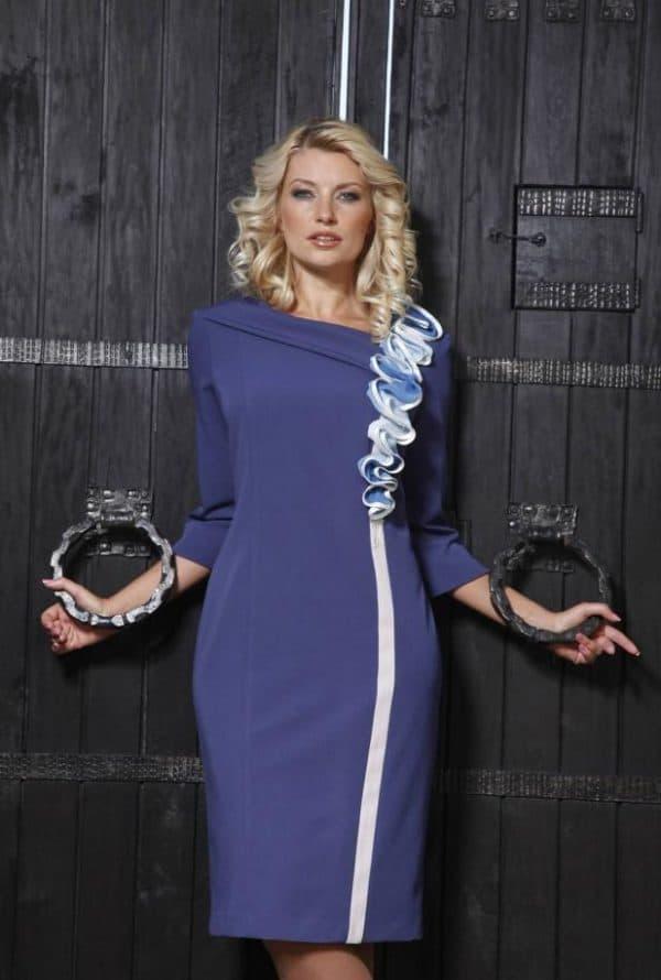 синее платье до колен