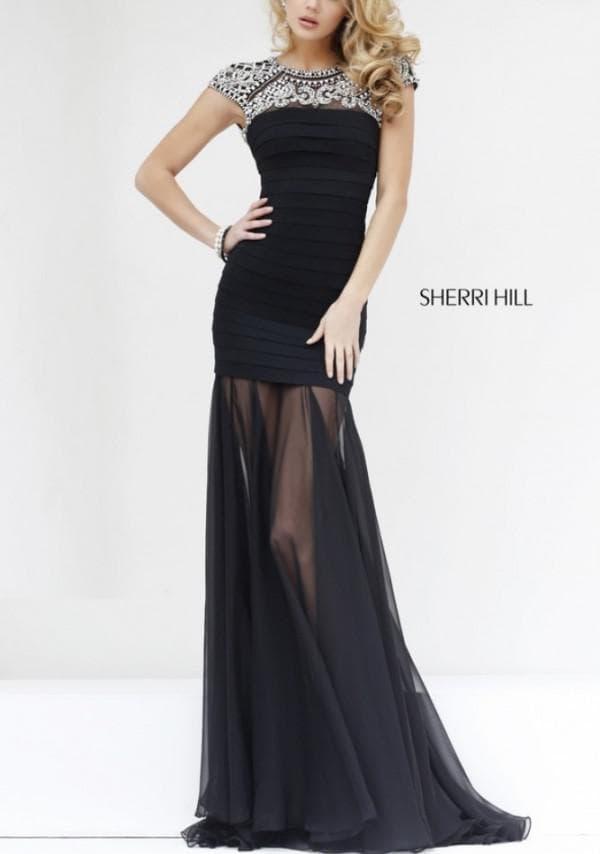 Платье в пол черного цвета