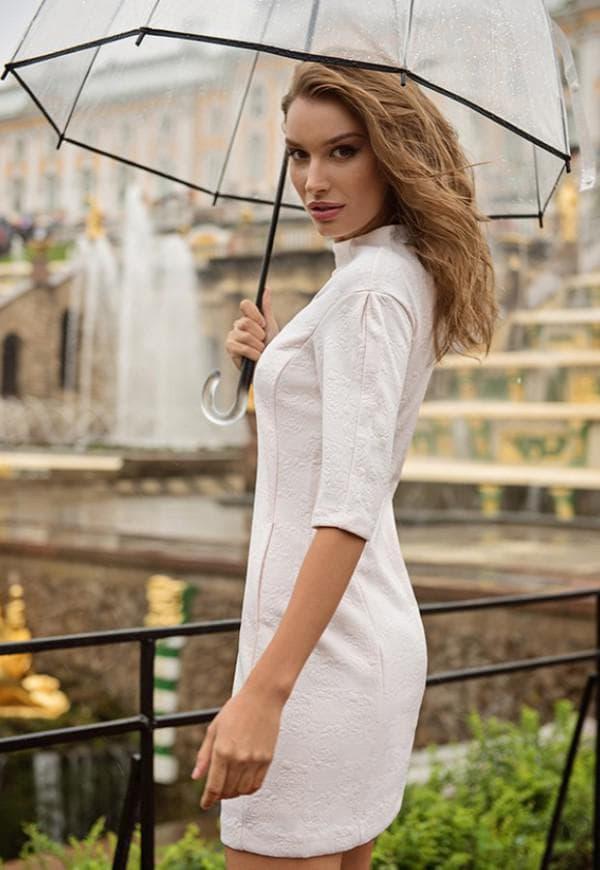 скромное платье для офиса от Лав Репаблик