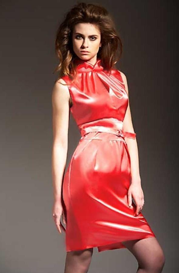 платье удлиненное по талии