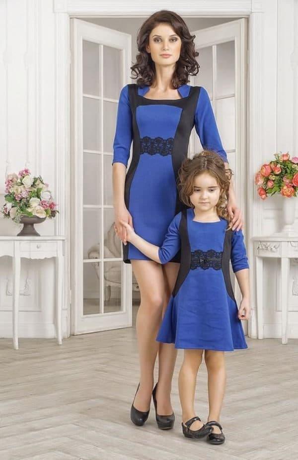 синие платья в одном стиле для мамы и дочери