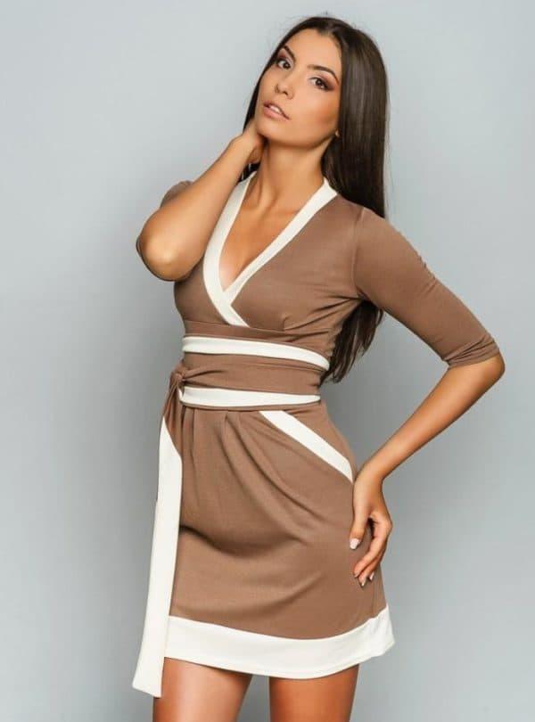 платье французской длины с запахом