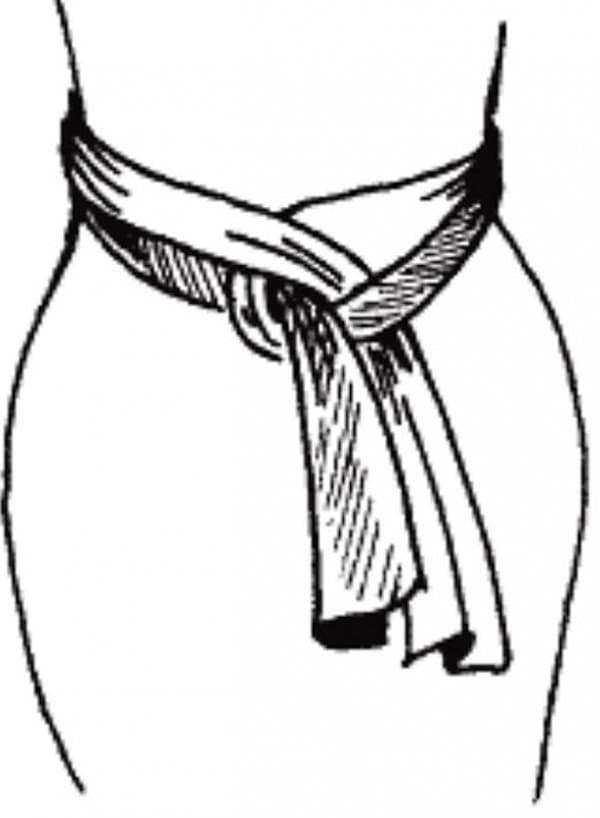 способ завязать пояс на платье
