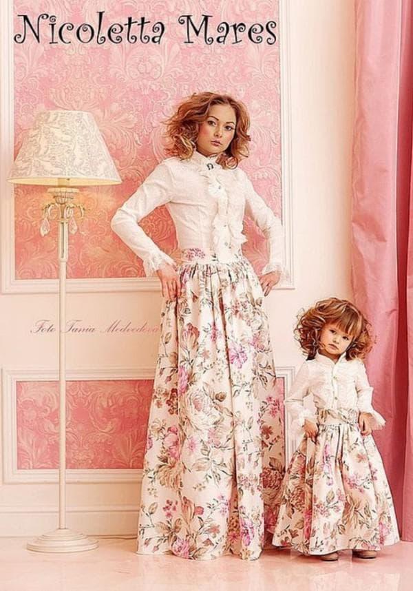 аристократичные одинаковые платья для мамы и дочки