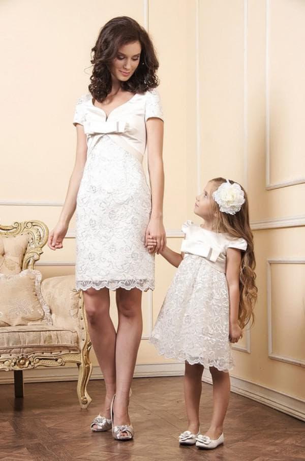 нарядные одинаковые платья для мам и дочерей