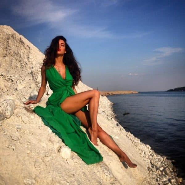 Длинное зеленое платье повседневное