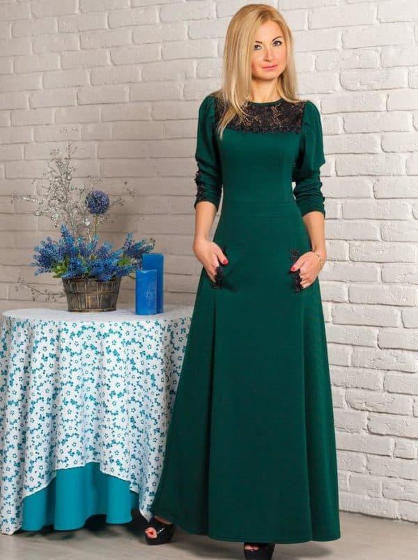 Зимнее зеленое платье в пол