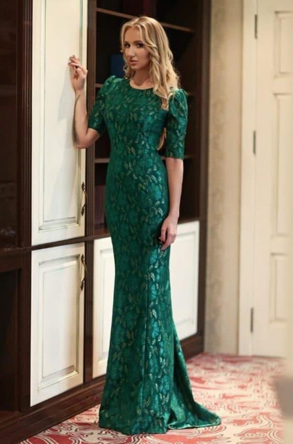 Длинное вечернее платье зеленого цвета