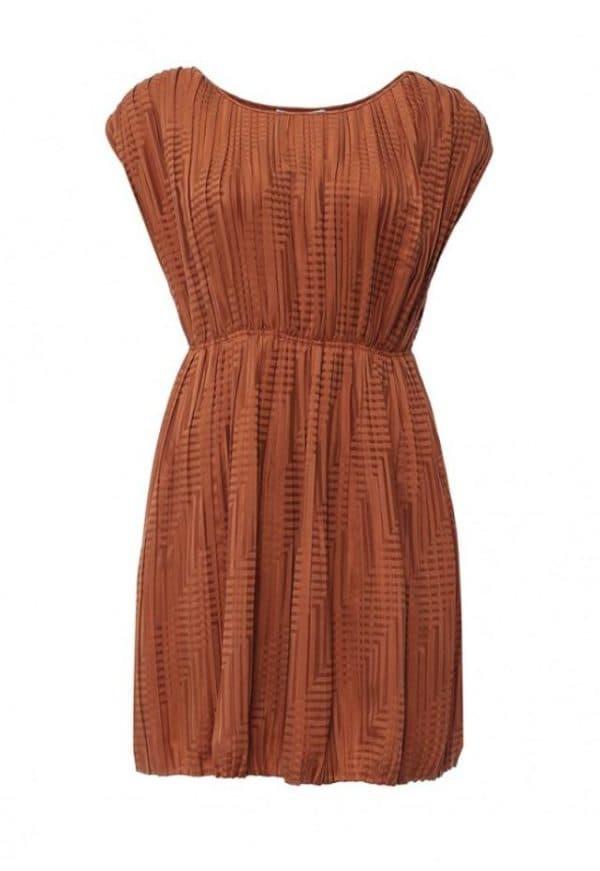 Платье кирпичного цвета от Манго