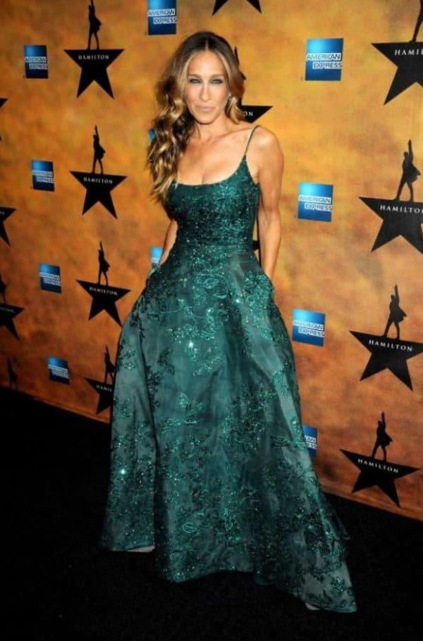 Сара Джессика Паркер в длинном изумрудном платье