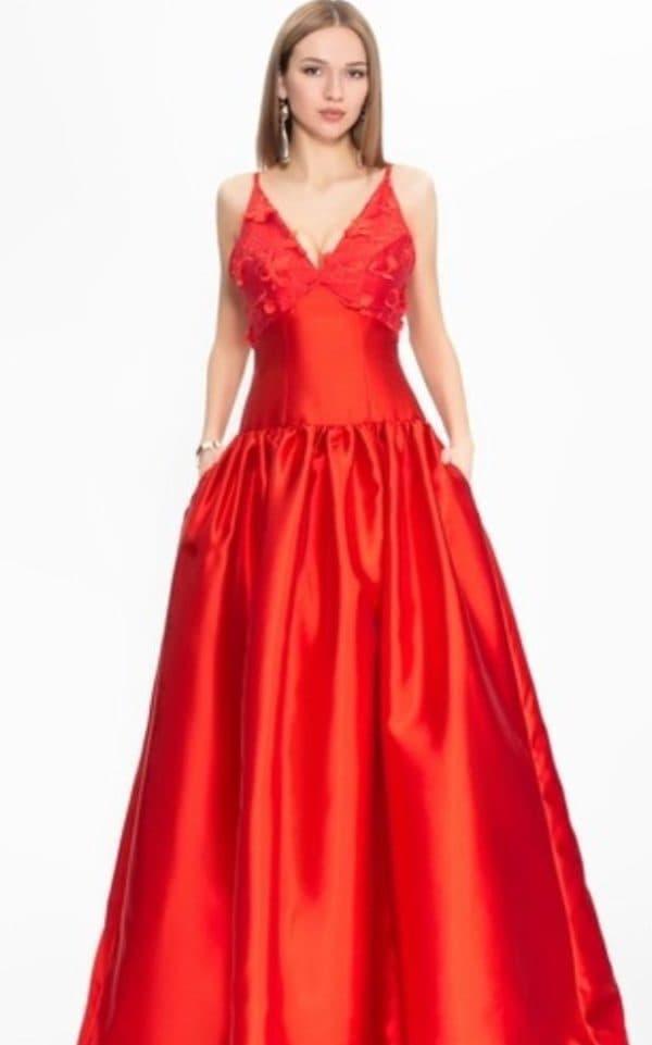 Красное платье для выпускницы