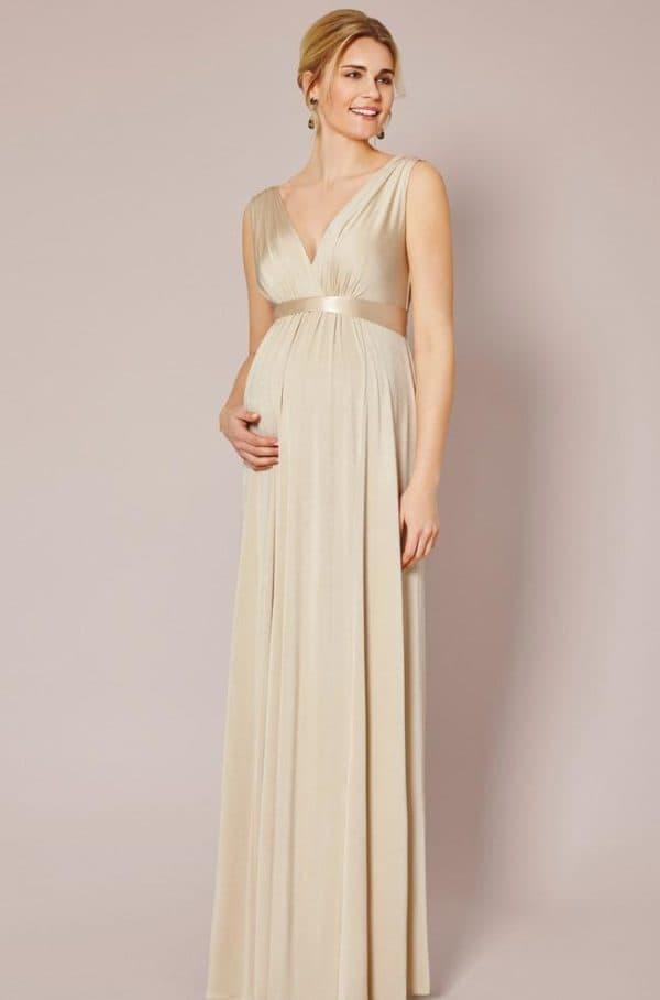 Длинное вечернее платье для беременной бежевого цвета