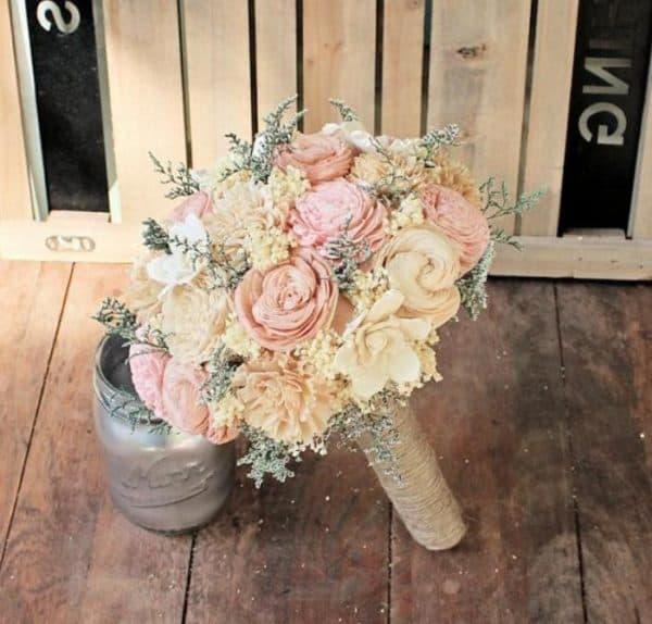 Букет для теплого оттенка свадбеного платья айвори