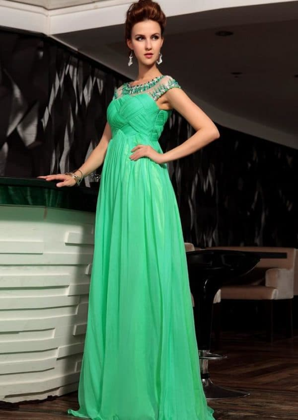 Зеленое вечернее платье из шифона
