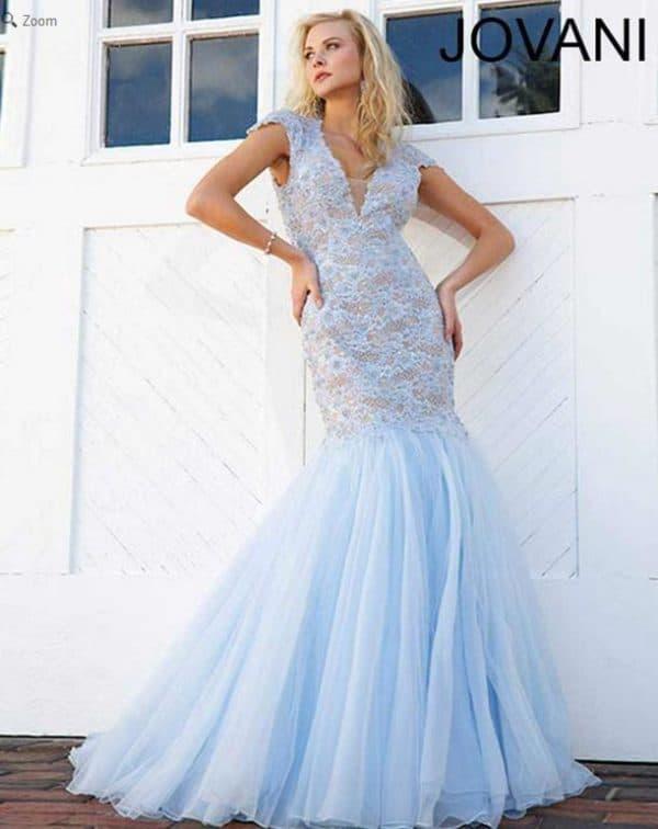 Длинное платье голубого цвета для полных женщин