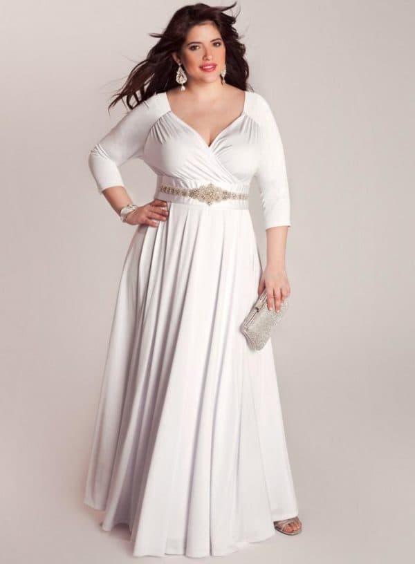 Белое платье в пол для полных