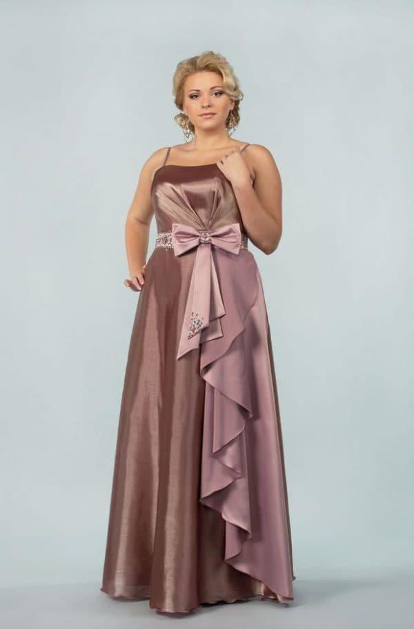 Атласное платье в пол большого размера
