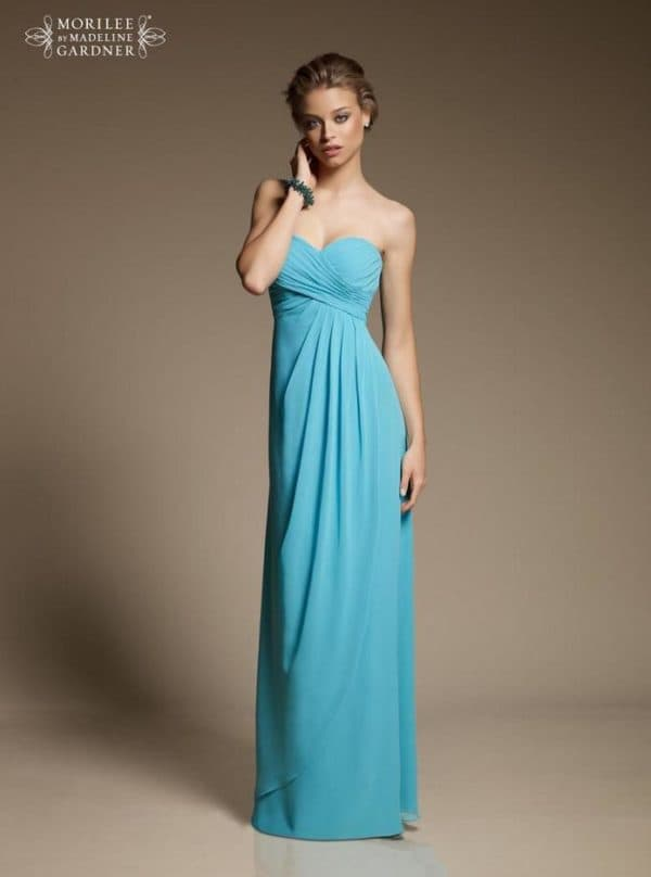 Голубое вечернее платье в пол