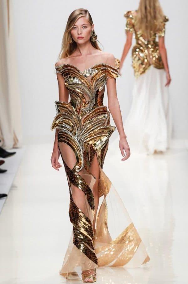 Золотое платье от модного бренда