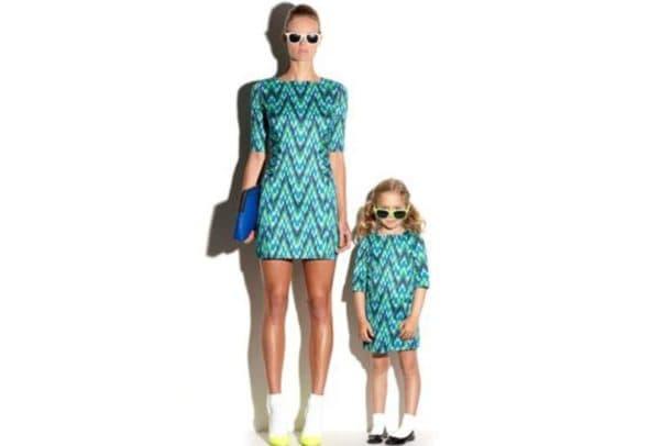 Одинаковые плтья для мамы и дочери на выпускной в садике