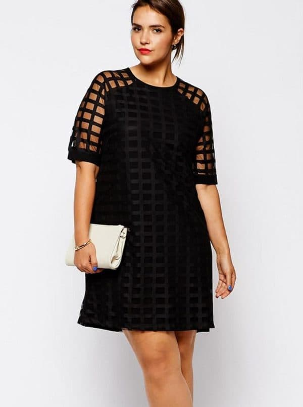 mini-pryamoe-600x805 Гипюровые платья: удачные фасоны для полненьких девушек – Мода для полных