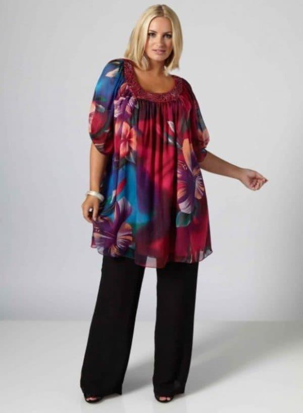 Шифоновое платье-туника для полных женщин