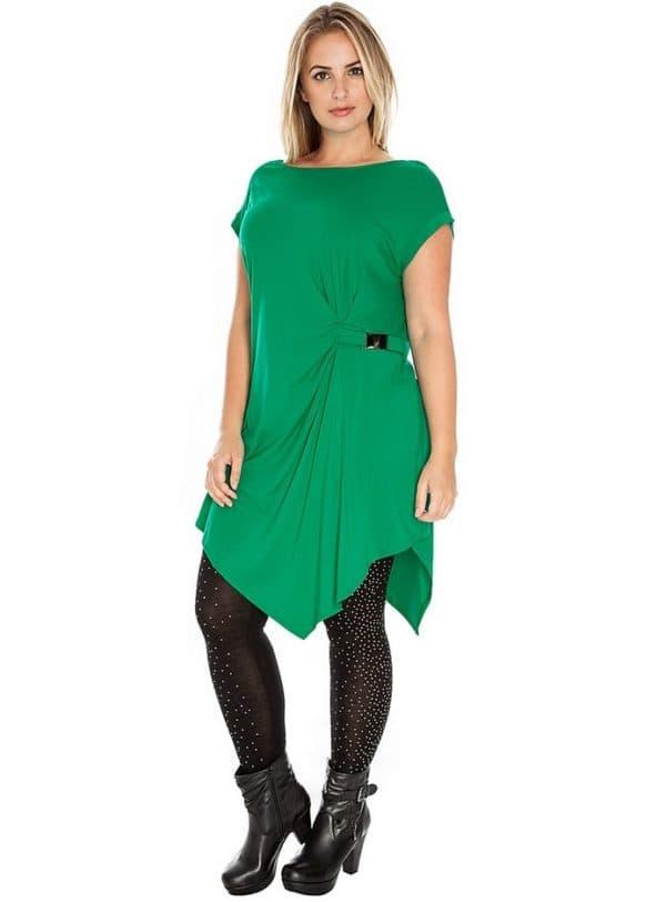 Платье-туника для полных женщин с асимметричным подолом