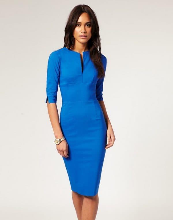 Элегантное платье-футляр для полных