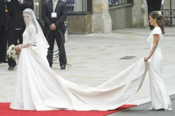 Наряд Пиппы на свадьбе Кейт Миддлтон